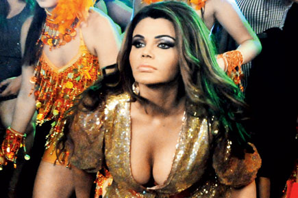 17-rakhi-sawant-item-song-l