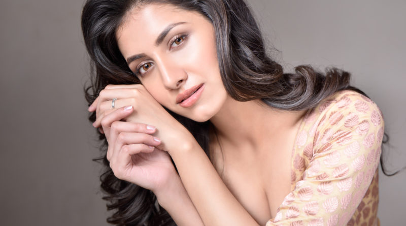 Rukmini Maitra (Actress) Full Biography, Age, Height, Weight, Husband & Pictures •