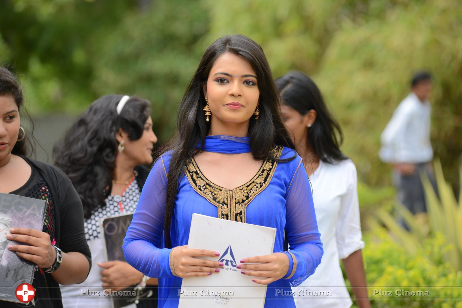 Marina Abraham America Ammayi Husband Wiki Age Family Caste Biography Pictures More