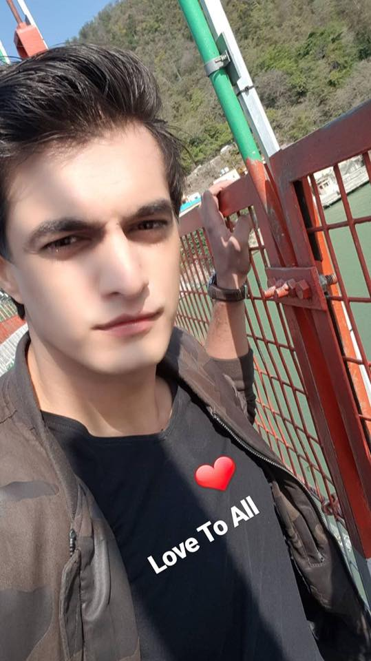 mohsin khan biography  wiki  girl friend  age  height