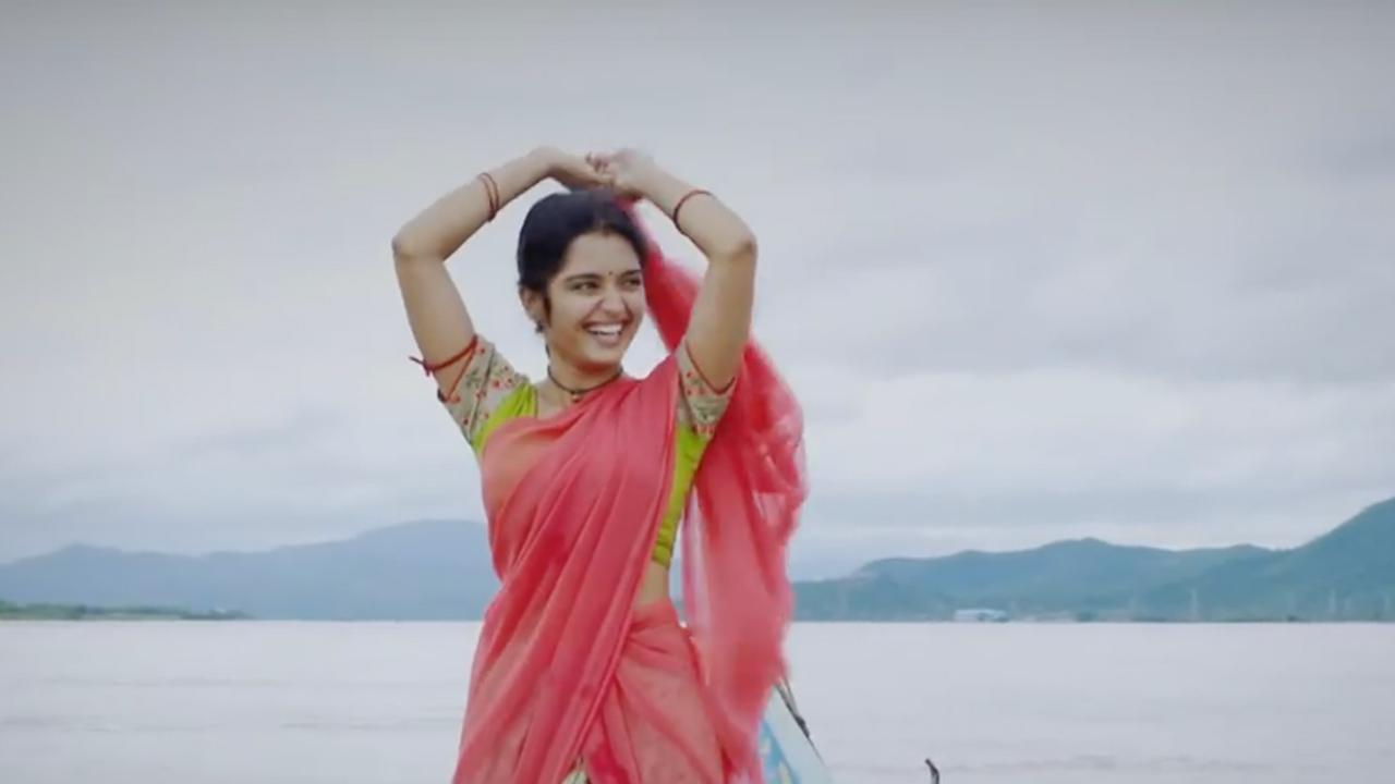 Mounaraagam Telugu Serial Heroine Priyanaka M Jain