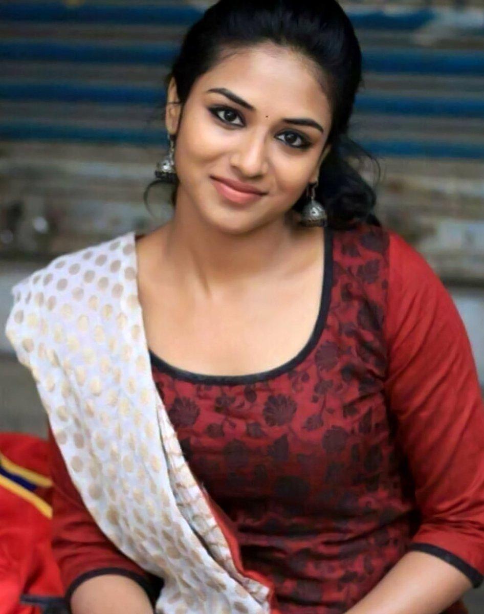 Indhuja Ravichandran Height